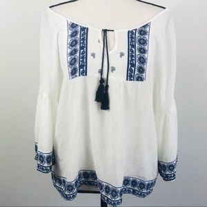 Chloe & Katie White Embroidered Peasant Top Small